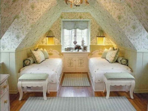 combles-aménagés-jolis-chambre-à-coucher