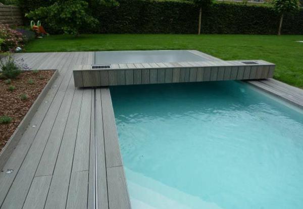 contemporain-piscine-et-couverture-bois
