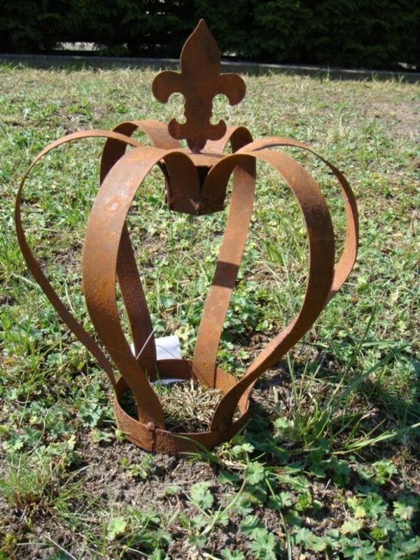 couronne-rouille-decoration-jardin