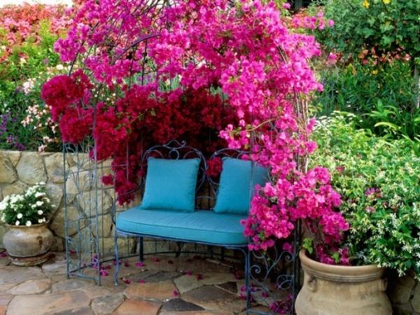 coussin-bleu-chaise-pour-le-jardin