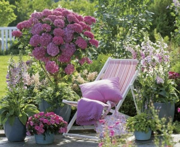 coussin-de-chaise-pour-le-jardin-violete