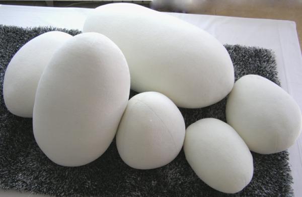 coussin-galet-des-coussins-blancs
