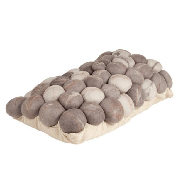 coussin-galet-des-pierres