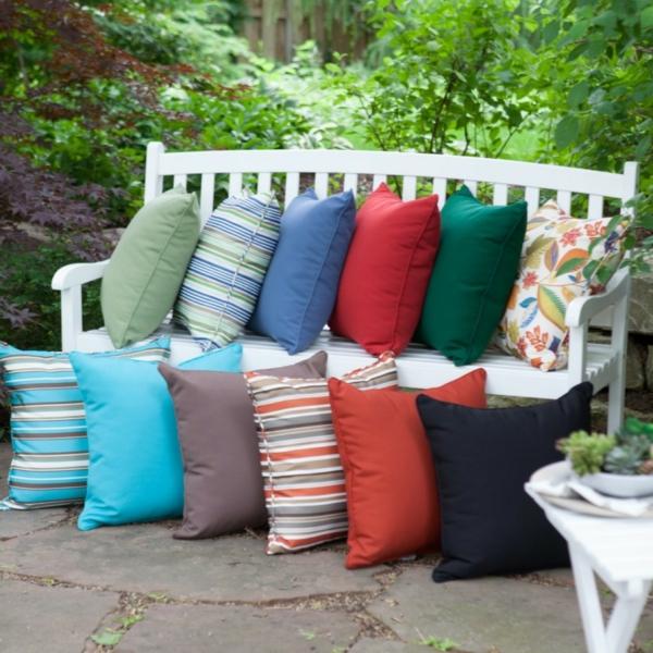 coussins-multicolore-pour-le-jardin
