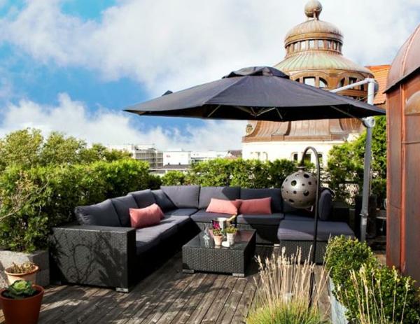 décoration-toit-terrasse-avec-parasol