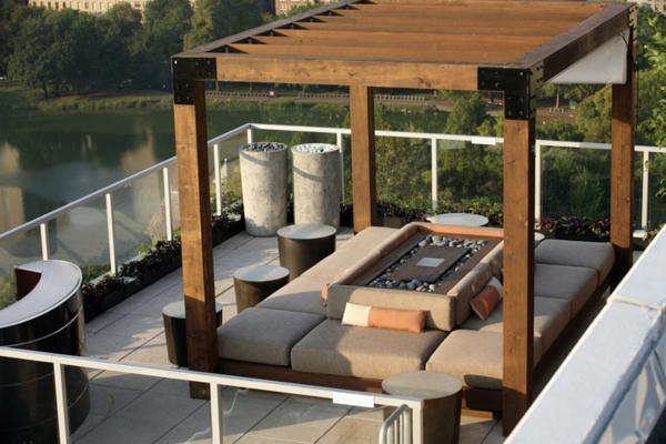 La d coration de toit terrasse des id es cr atives en for Terrasse avec pergolas bois