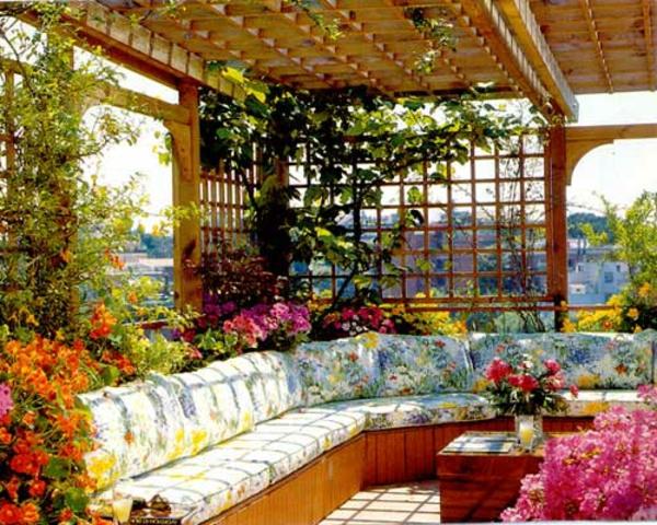 décoration-toit-terrasse-belles-fleurs