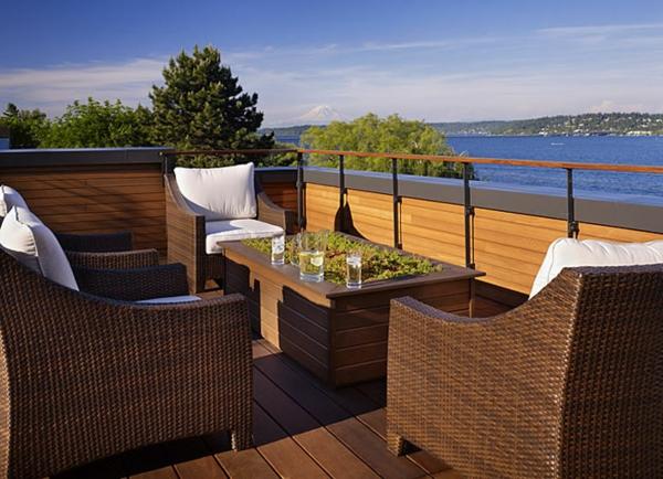 décoration-toit-terrasse-fauteils-rotin