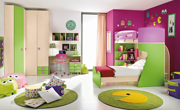 chambre fille grise pochoir mural chambre fille b b cases. Black Bedroom Furniture Sets. Home Design Ideas