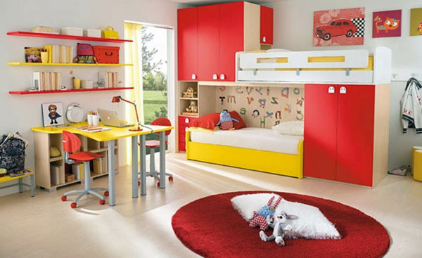 Idee Chambre Bebe Turquoise : deco chambre enfant placards rouges