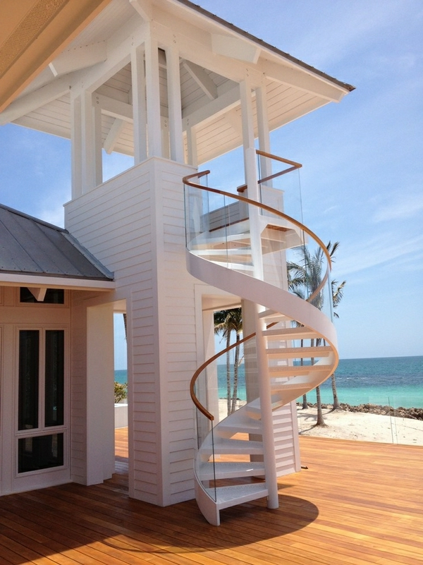 escalier-blanc-extérieur