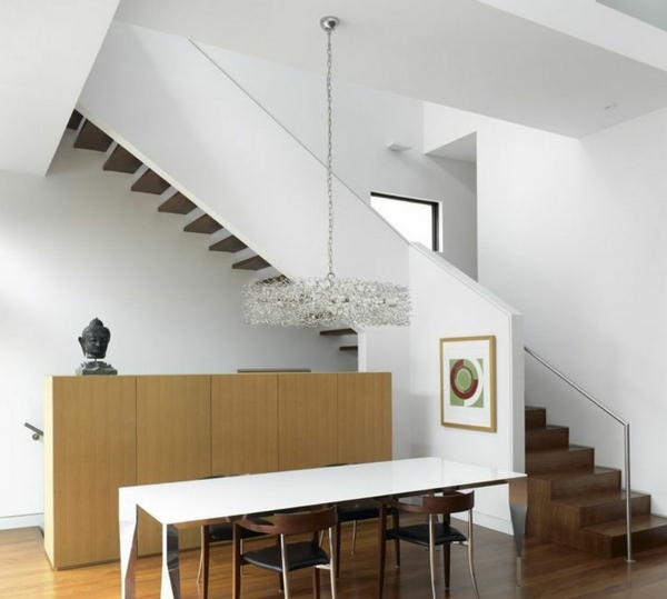 escalier-demi-tournant-dans-un-intérieur-remarquable