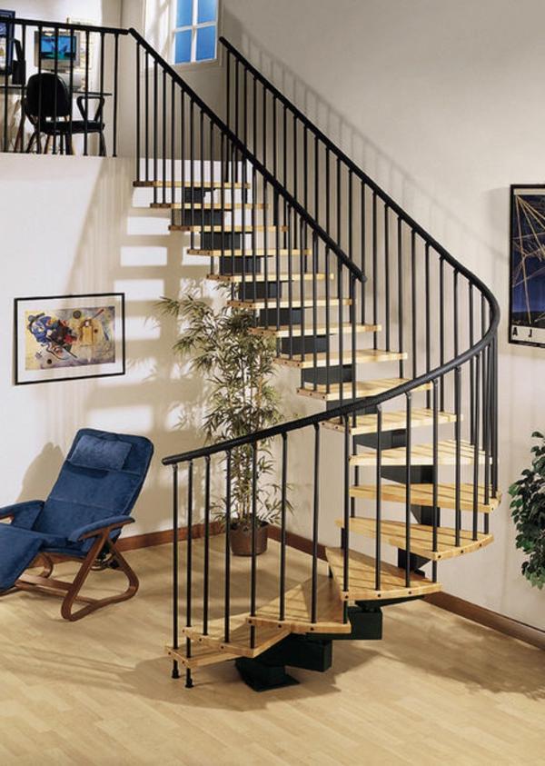 escalier-demi-tournant-en-métal-et-en-bois