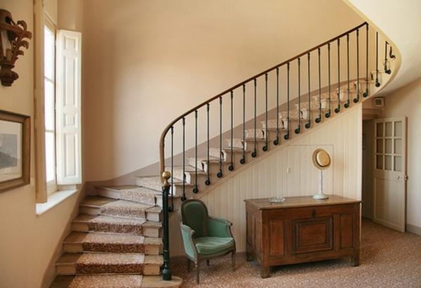 escalier-demi-tournant-joli