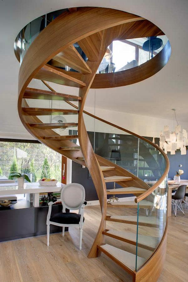 escalier-en-colimacon-bois-et-verre