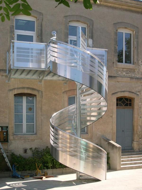 escalier-en-colimacon-exterieur