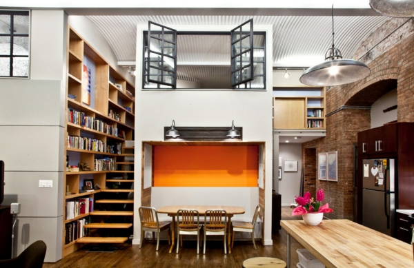 esprit-loft-ub-joli-intérieur-et-une-bibliothèque-avec-escalier
