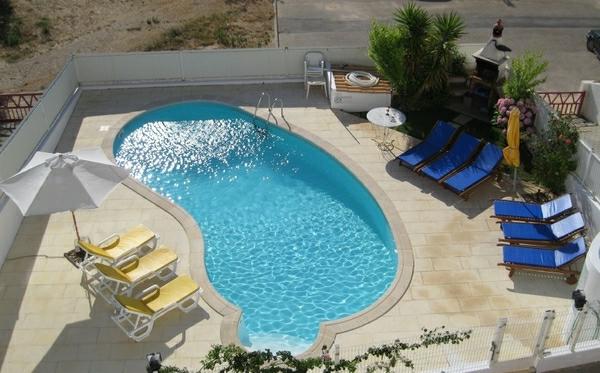 extérieur-pti-piscine-creusée-