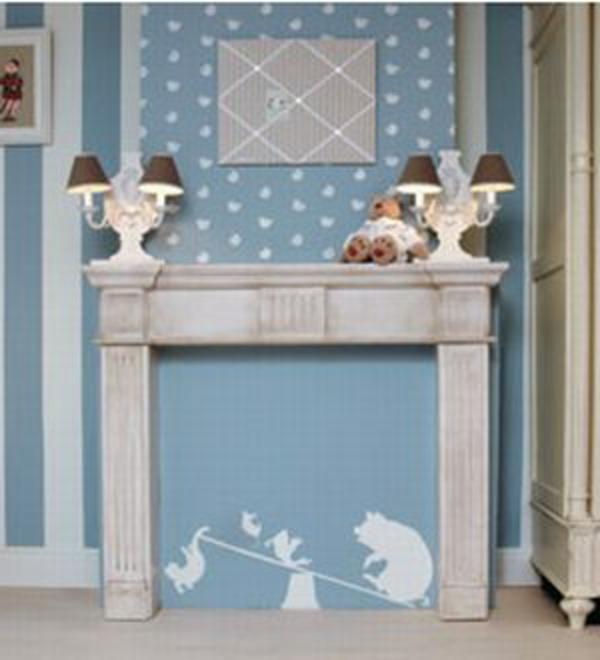 fausse-cheminee-mur-bleu