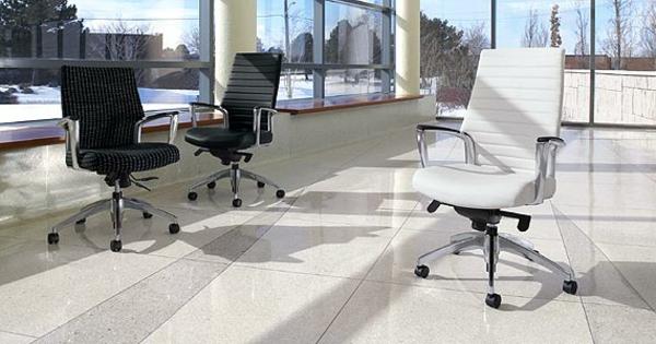 fauteuil-de-bureau-ergonomique-blanc-cnfortable