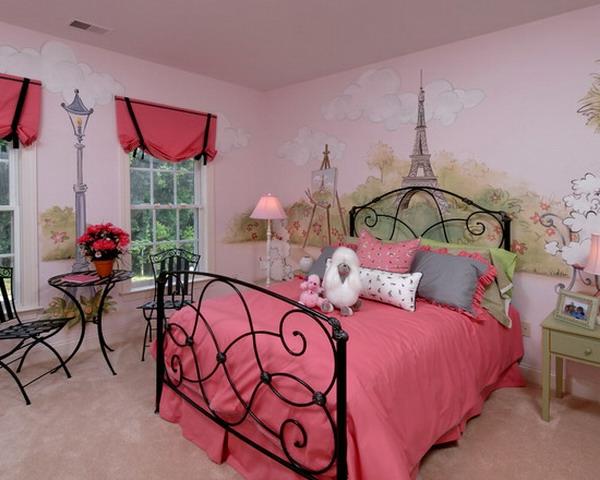 fer-foncé-decoré-lit-en-rose
