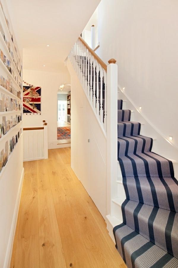 gris-et-noir-tapis d'escalier