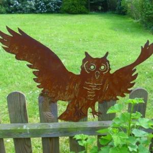 Un objet en fer ou métal rouillé peut être la décoration parfaite pour votre jardin!