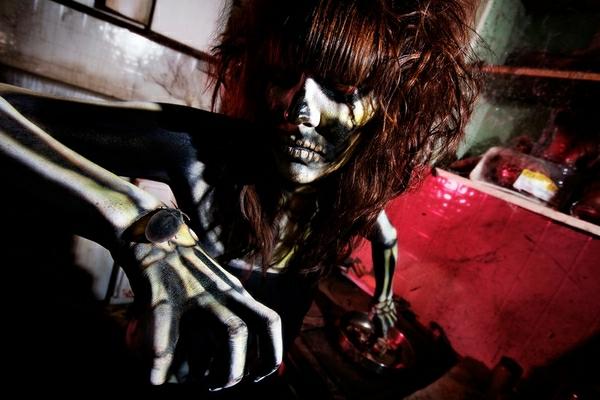 horror-creepy-skeleton-Halloween-costumes-ideas-resized