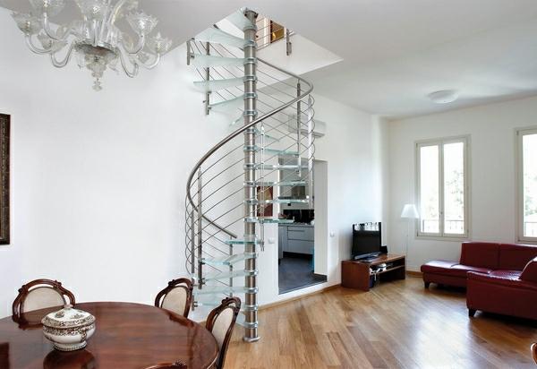inox-escalier-intérieur