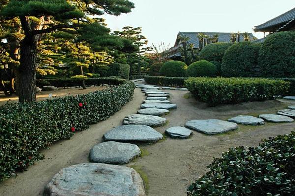 jardin-japonais-allée-japonaise
