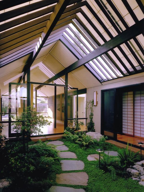 jardin-japonais-avec-une-allée