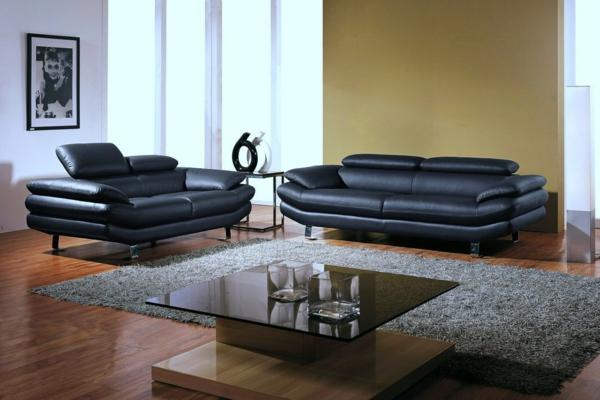 jolie-canapé-en-noir-cuir