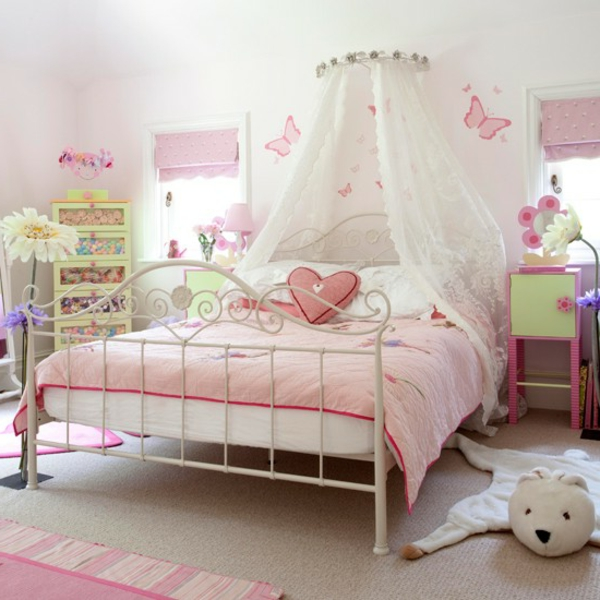 id es d co pour le lit de fille ado en rose. Black Bedroom Furniture Sets. Home Design Ideas