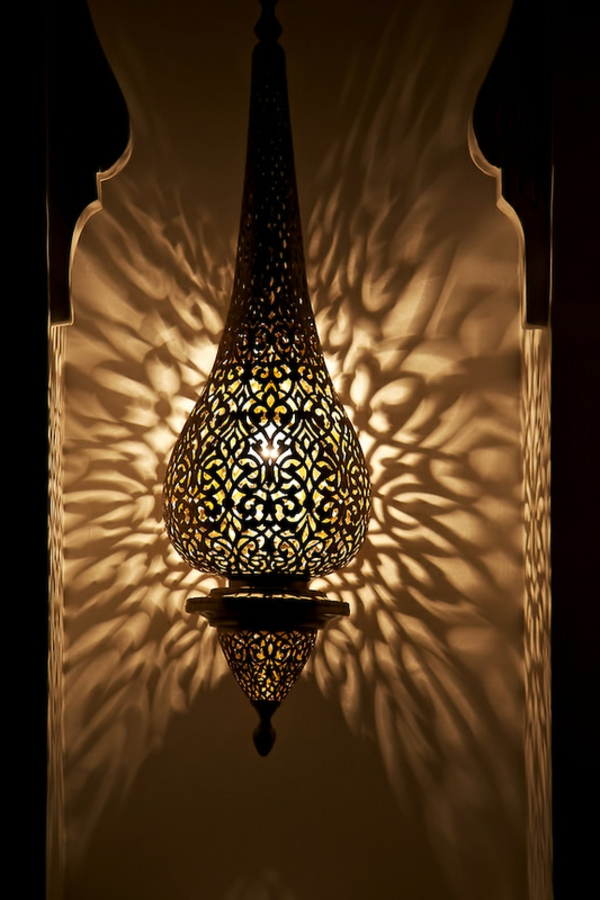 une lampe marocaine va illuminer vos int rieurs et les. Black Bedroom Furniture Sets. Home Design Ideas