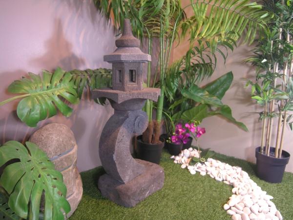 lanterne-japonaise-de-pierre-de-lave