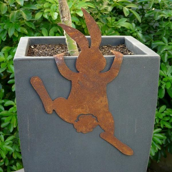 lapin-grimpant-rouille-decoration-jardin