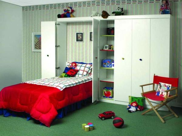 lit-d'enfant-original-et-une-armoire