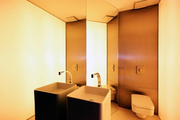 meuble-salle-de-bain-à-double-vasque-dans-un-intérieur-cosy