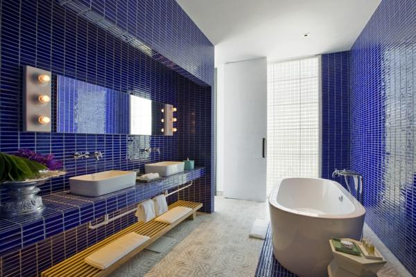 meuble-salle-de-bain-à-double-vasque-dans-une-salle-de-bain-magnifique