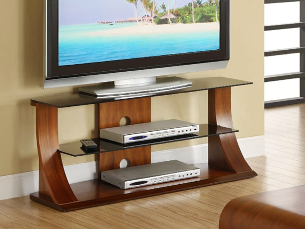 Le meuble tv design et style pour l 39 int rieur for Table de television en verre