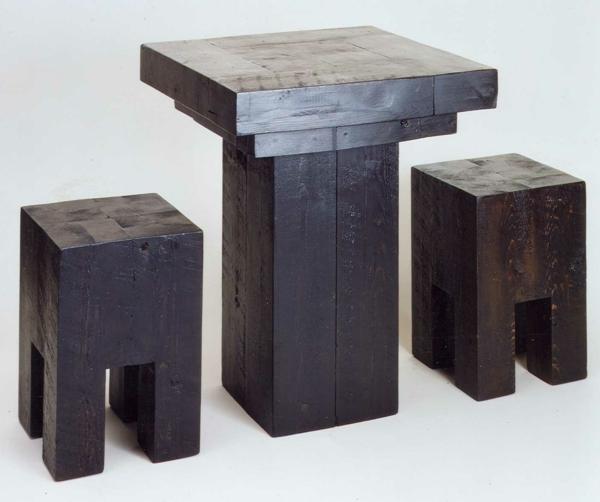 meubles-bois-brut-table-et-tabourets