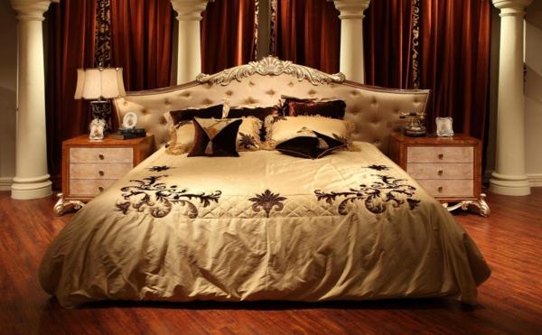 meubles-indiens-un-lit-élégant-beige