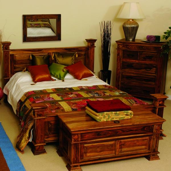 meubles-indiens-un-lit-bariolé
