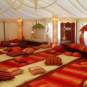 Les meubles indiens - modernes ou traditionnels, ils sont une inspiration pour l'esprit avanturiste
