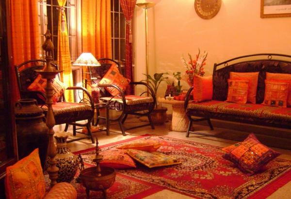 meubles-indiens-une-salle-de-séjour-rouge