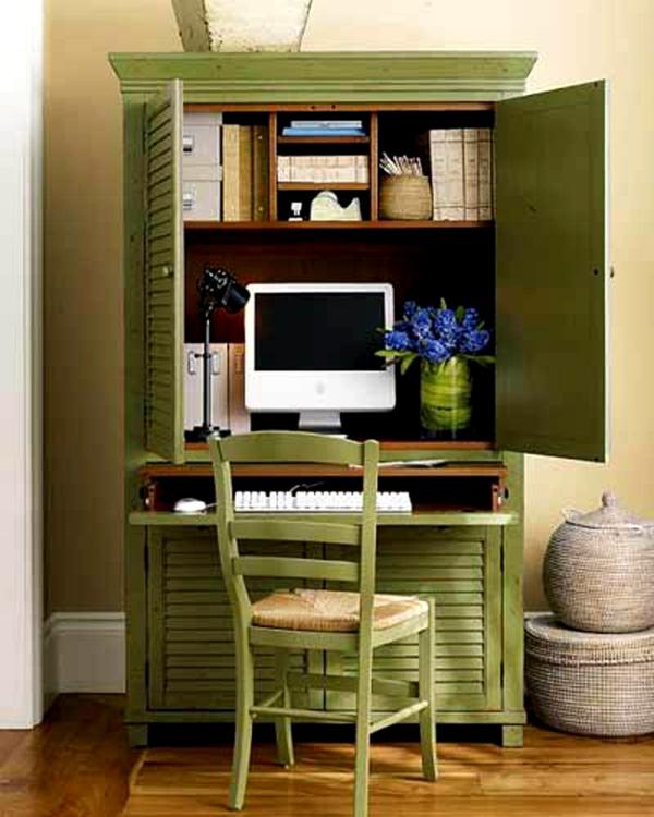 meubles-rustiques-table-avec-un-orfinateur-et-chaise-rustiques