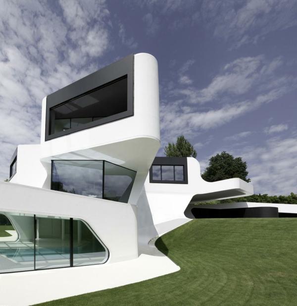 moderne-maison-architecture-piscine-intérieur-noir-et-blanc-pour-Uni
