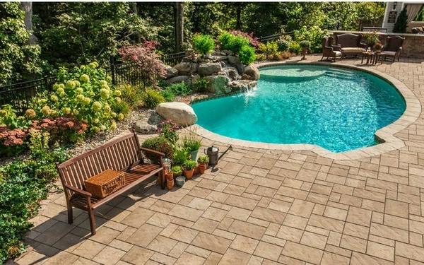 moderne-piscine-creusée-