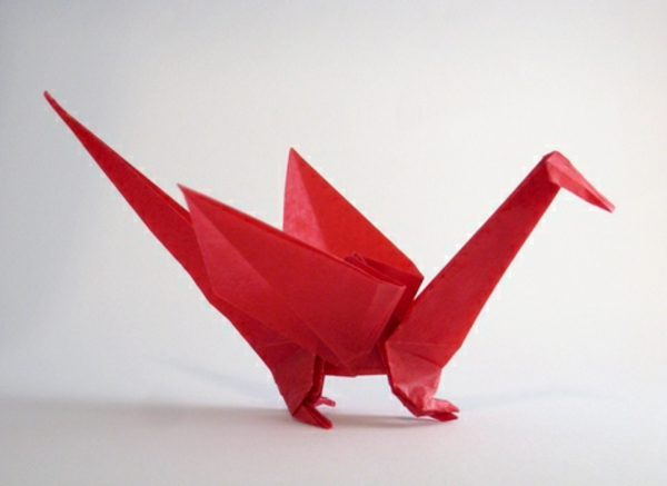 origami-serviette-un-dragon-rouge