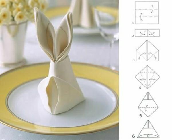 Déco de la table – pliage de serviette en tissu pour fête de